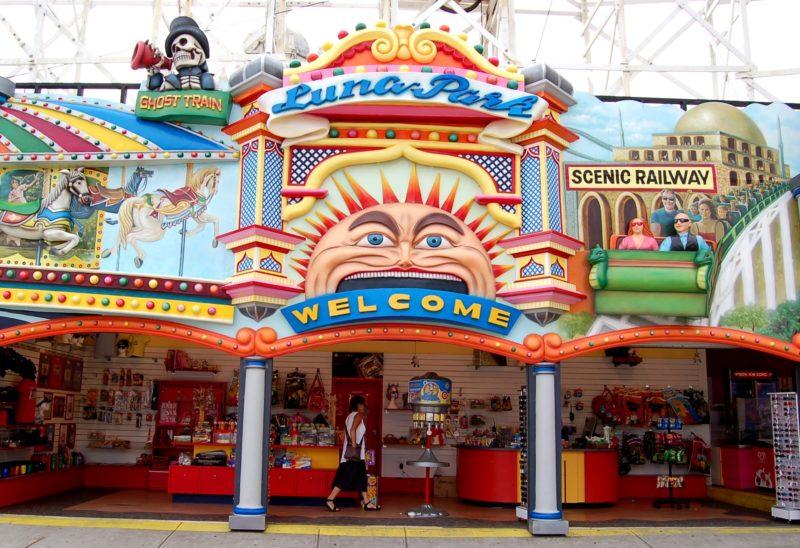 Luna Park Theme Builders