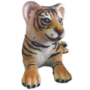 tiger-cub-lying-2
